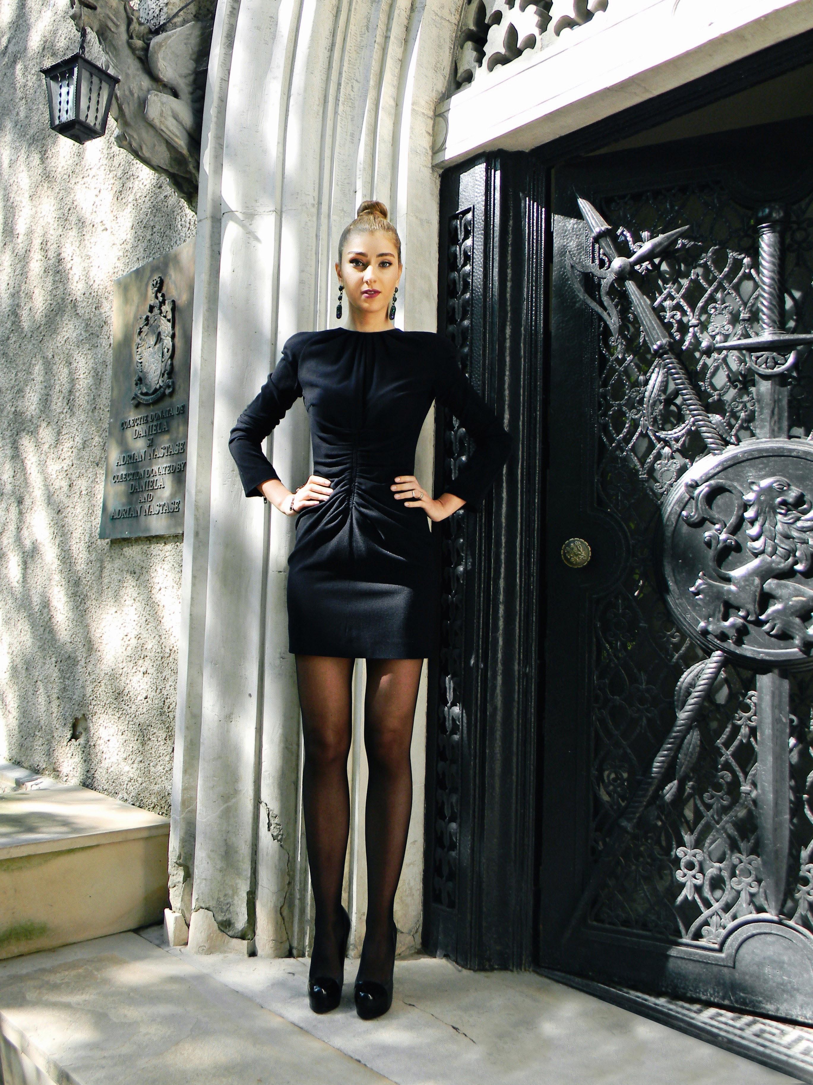 Andreea Altay street style