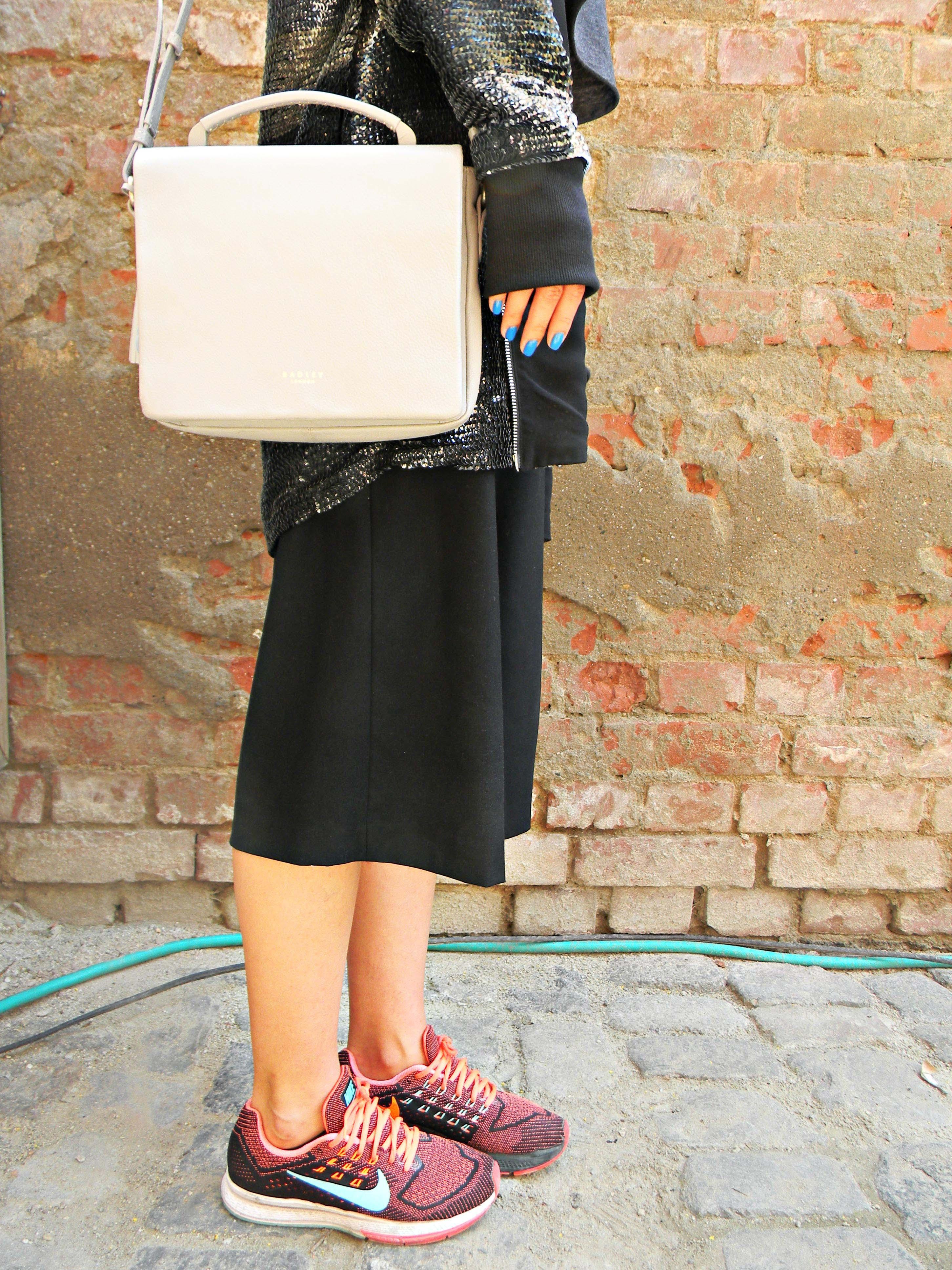 Ioana Vasii, street style, Nike shoes
